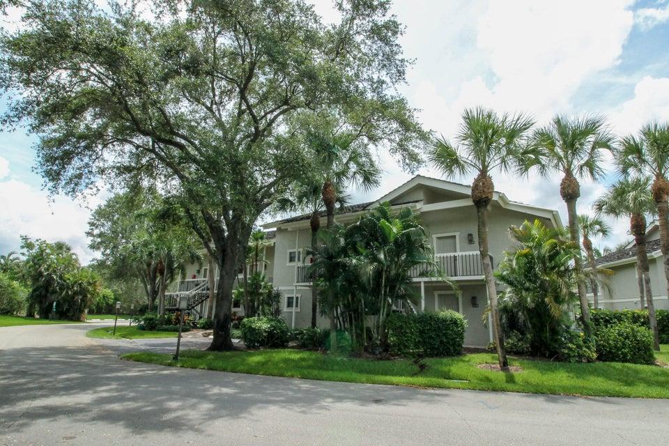 11863 Wimbledon Circle, Wellington, Florida 33414, 2 Bedrooms Bedrooms, ,2 BathroomsBathrooms,Condo/Coop,For Sale,PALM BEACH POLO,Wimbledon,1,RX-10447826