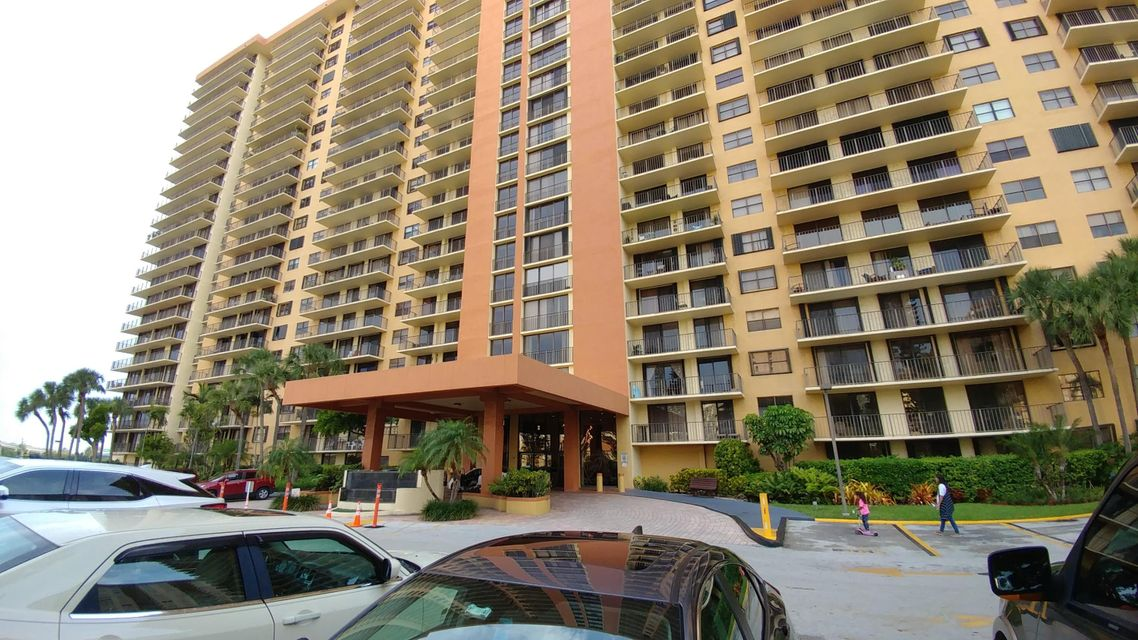 290 174th Street 306, Sunny Isles Beach, FL 33160