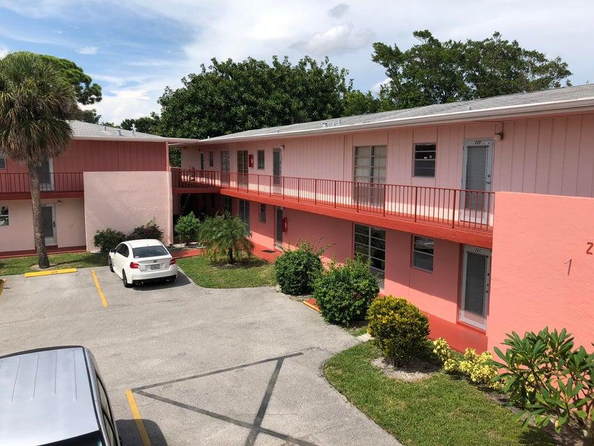 Viewing Listing Mls 10451606 23 Golfs Edge West Palm Beach