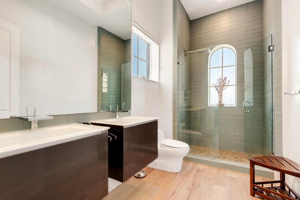 Guest Bath/Level 3