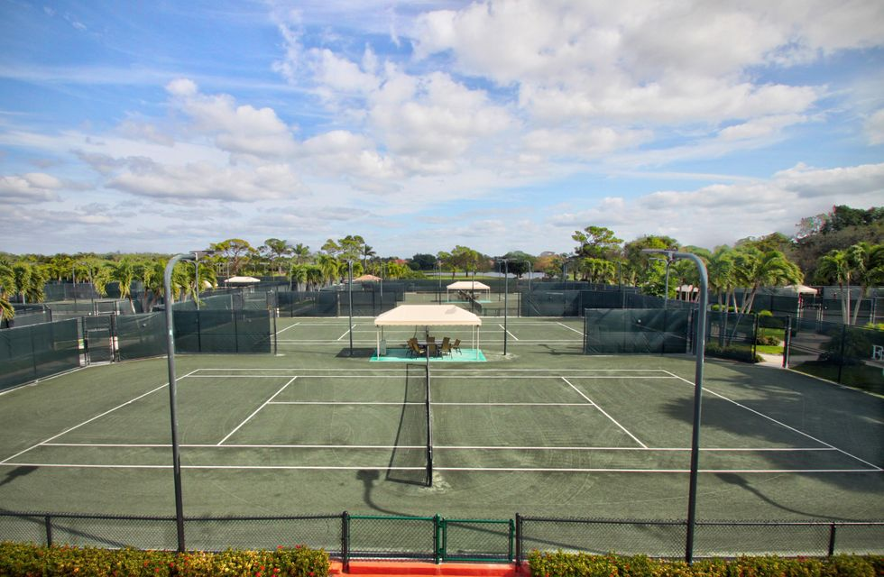 Club Tennis Courts