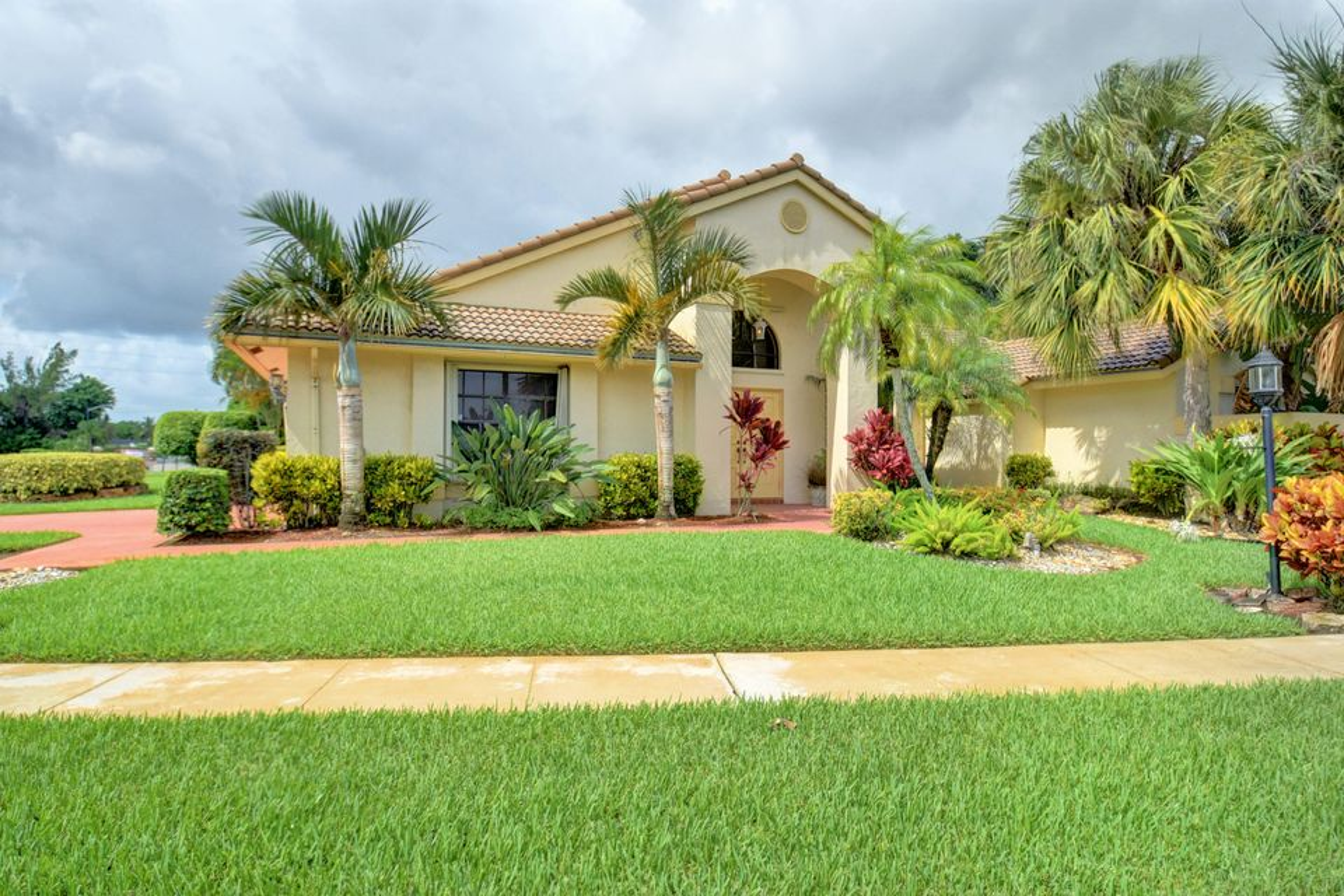 10784 Boca Woods Lane Boca Raton, FL 33428