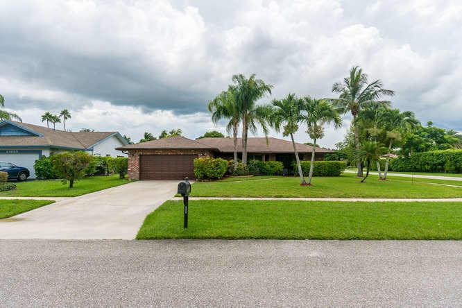 21053 Shady Vista Lane Boca Raton, FL 33428