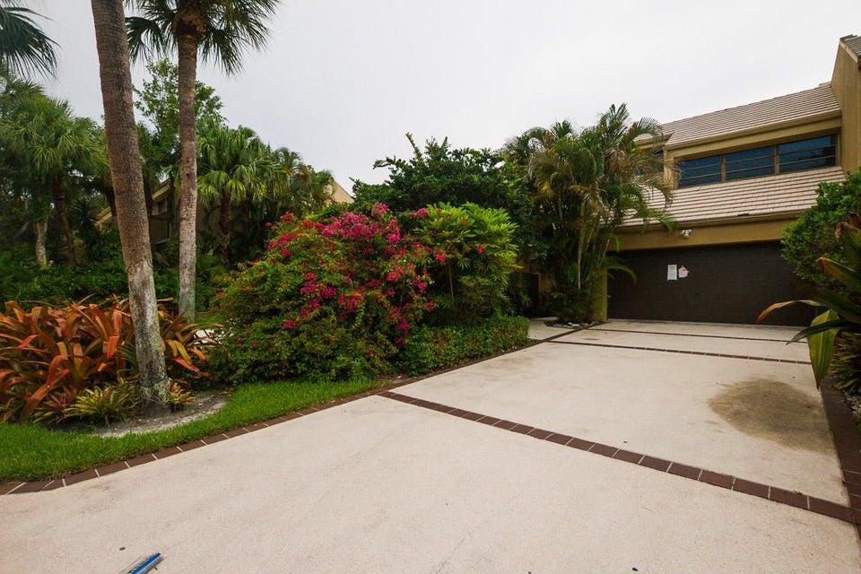 709 Saint Albans Drive Boca Raton, FL 33486