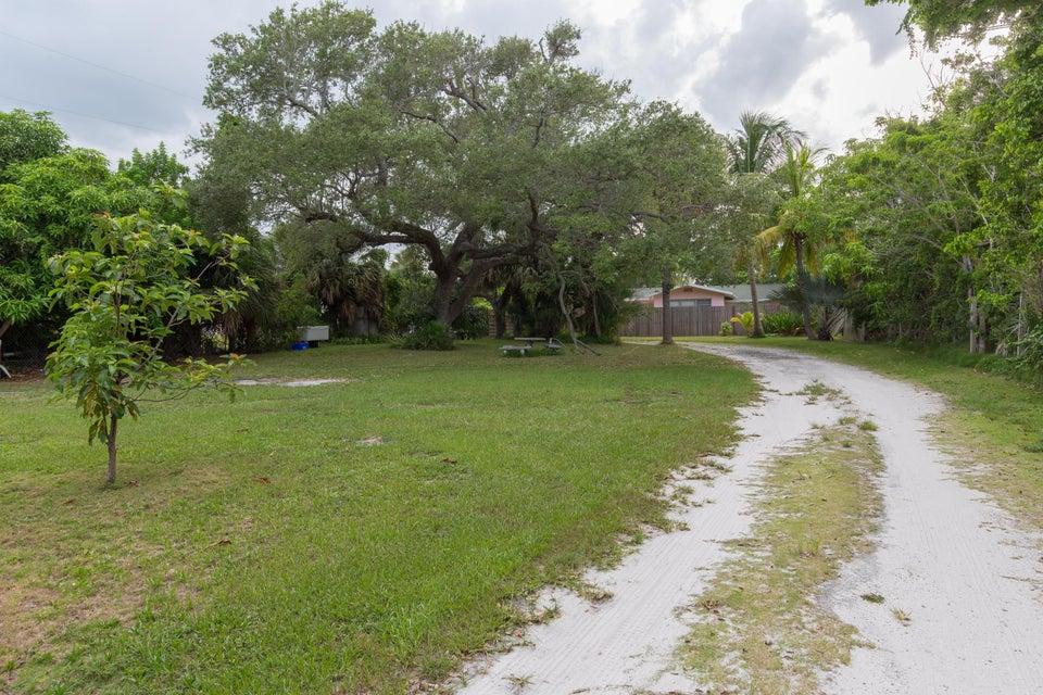 Natural Florida Entrance