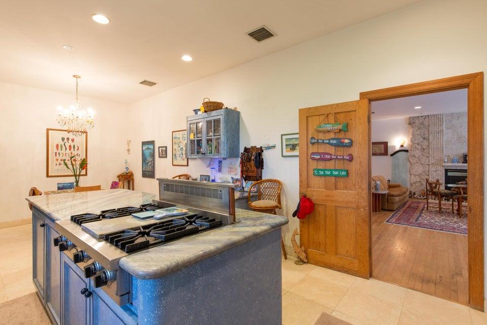 Island Working Kitchen