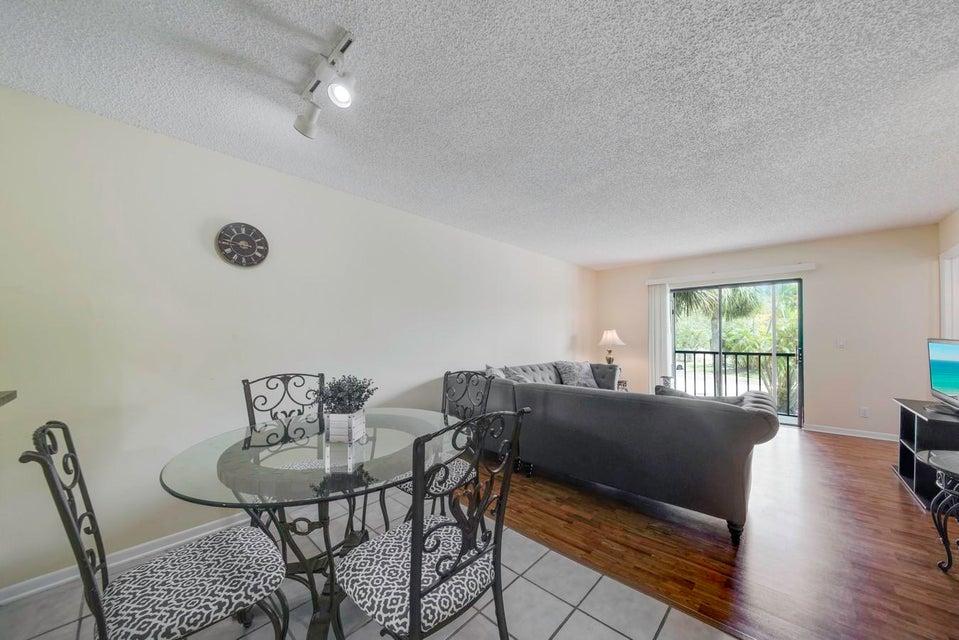 6820 Palmetto Circle #204 Boca Raton, FL 33433
