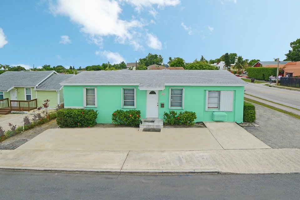 860 Green Street, West Palm Beach, FL 33405