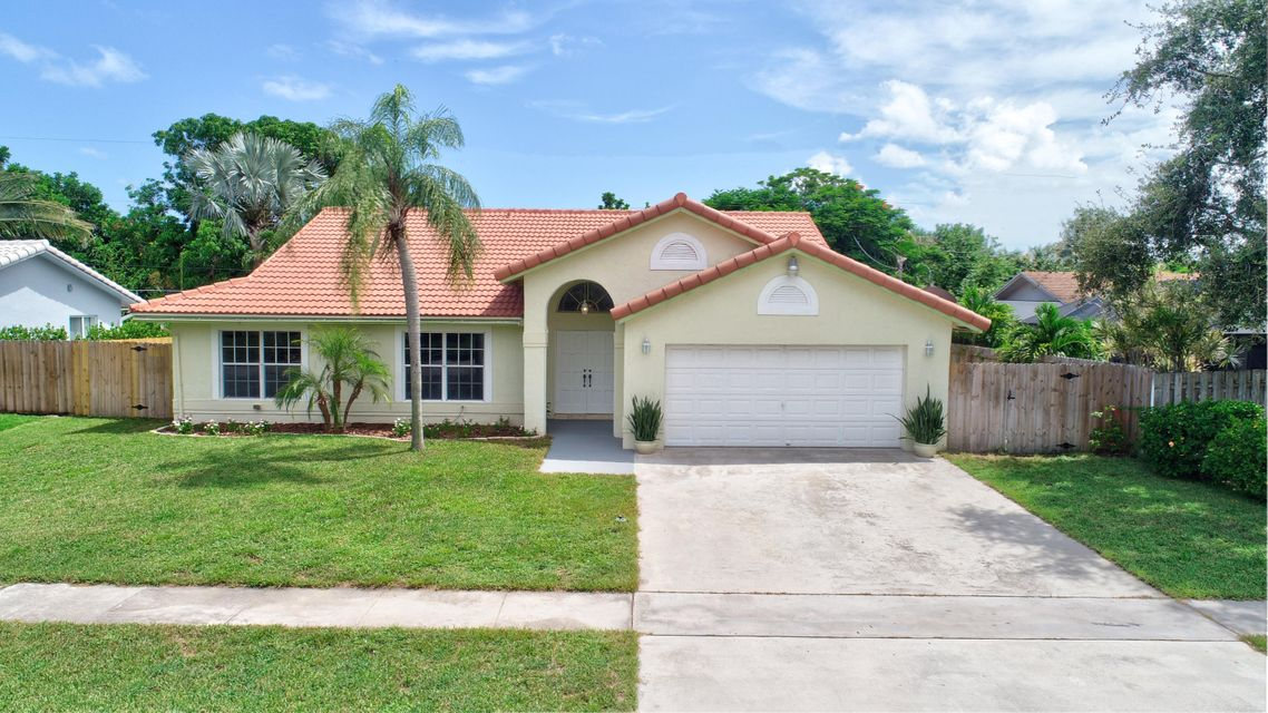 184 Oregon Lane Boca Raton, FL 33487