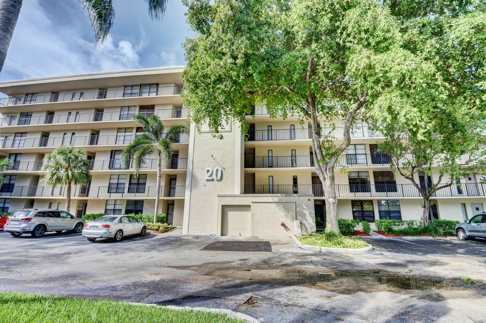 20 Royal Palm Way #205 Boca Raton, FL 33432