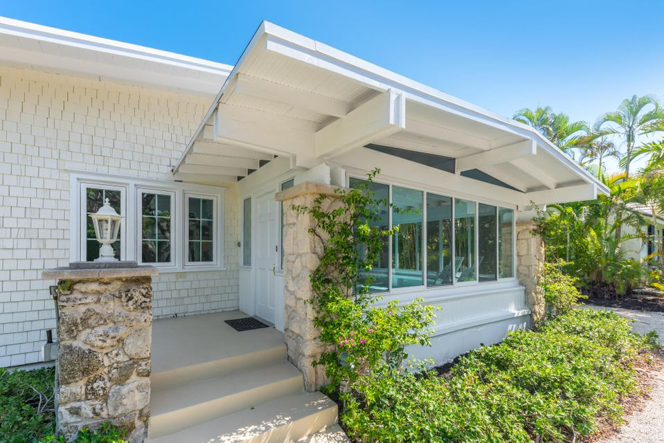 141 Chilean Avenue, Palm Beach, Florida 33480, 4 Bedrooms Bedrooms, ,3.1 BathroomsBathrooms,Single Family,For Sale,Chilean,RX-10459581