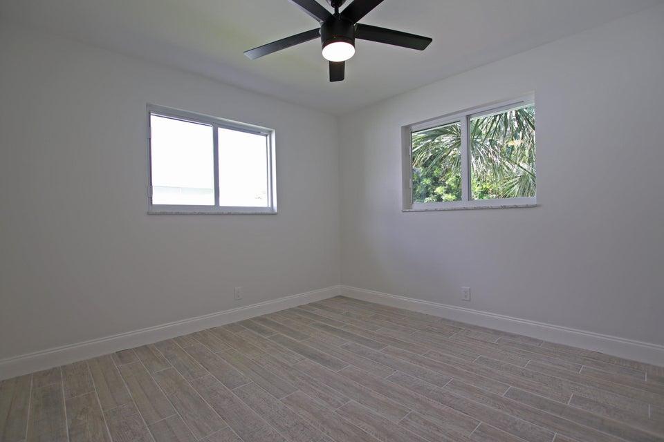Bedroom 2 IMG_6205