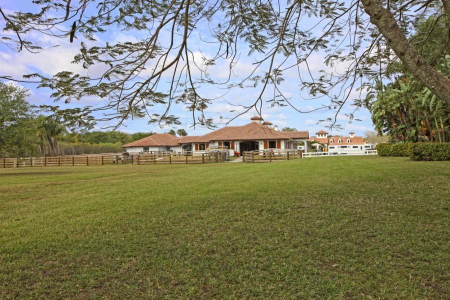 14883 Equestrian Way, Wellington, Florida 33414, 2 Bedrooms Bedrooms, ,1 BathroomBathrooms,Barn,For Sale,Equestrian,1,RX-10460079