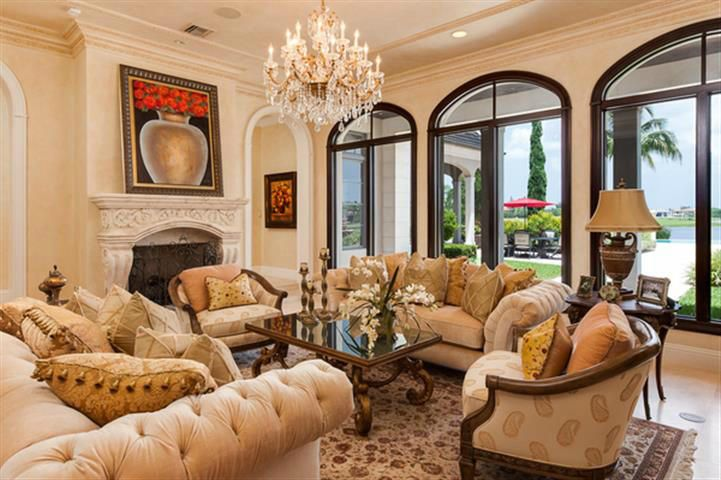 Living Room Closeup w Fireplace & Views*