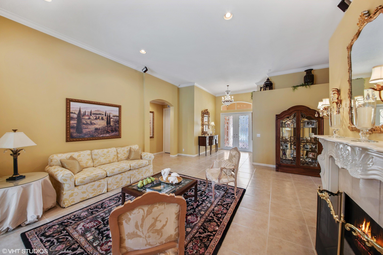 Foyer & Living Room
