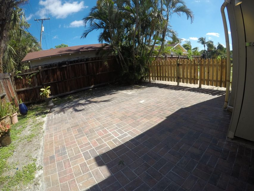 725 Omar Road, West Palm Beach, Florida 33405, 1 Bedroom Bedrooms, ,1 BathroomBathrooms,Single Family,For Rent,Omar,RX-10463694