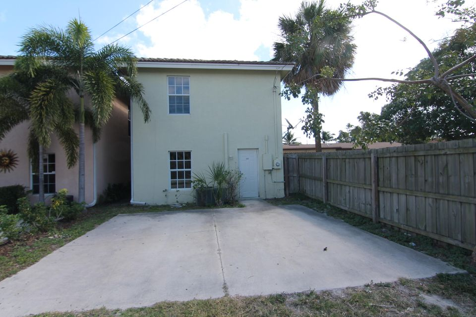 217 D Street, Lake Worth, Florida 33460, 3 Bedrooms Bedrooms, ,3 BathroomsBathrooms,Single Family,For Sale,Lake Worth Town,D,1,RX-10463683