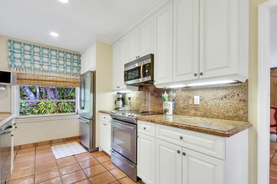 25 10th Street, Delray Beach, Florida 33444, 4 Bedrooms Bedrooms, ,3.1 BathroomsBathrooms,Single Family,For Sale,10th,RX-10463697