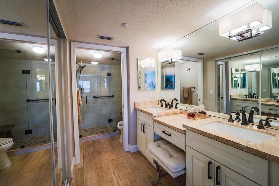 7751 Southampton Terrace, Tamarac, Florida 33321, 2 Bedrooms Bedrooms, ,2 BathroomsBathrooms,Condo/Coop,For Sale,KINGS POINT,Southampton,1,RX-10463705