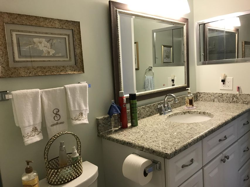 164 Somerset H, West Palm Beach, Florida 33417, 2 Bedrooms Bedrooms, ,2 BathroomsBathrooms,Condo/Coop,For Sale,Somerset H,2,RX-10463791
