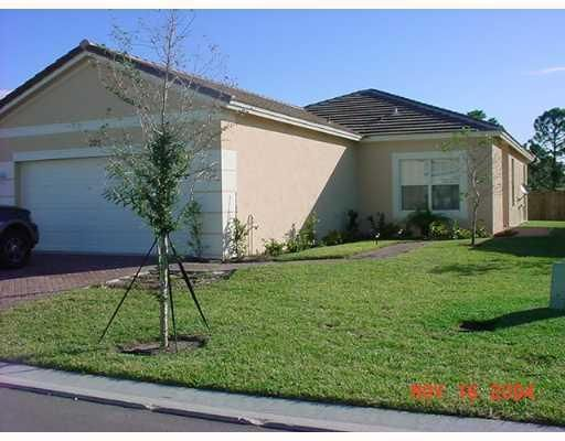 225 Manatee Springs Way- Port Saint Lucie- Florida 34986, 3 Bedrooms Bedrooms, ,2 BathroomsBathrooms,Single Family,For Sale,LAKE FOREST POINTE,Manatee Springs,RX-10464142
