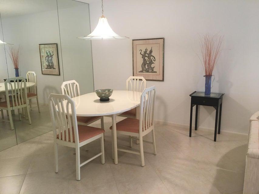 34 Stratford Lane, Boynton Beach, Florida 33436, 2 Bedrooms Bedrooms, ,2 BathroomsBathrooms,Condo/Coop,For Sale,Stratford,2,RX-10464218