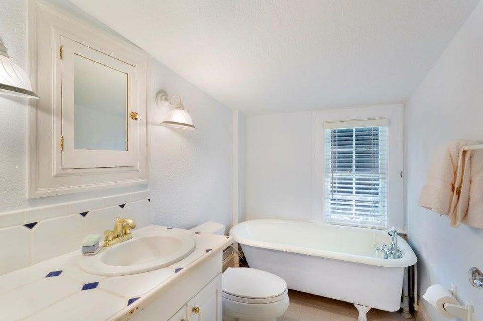 3rd floor guest bath
