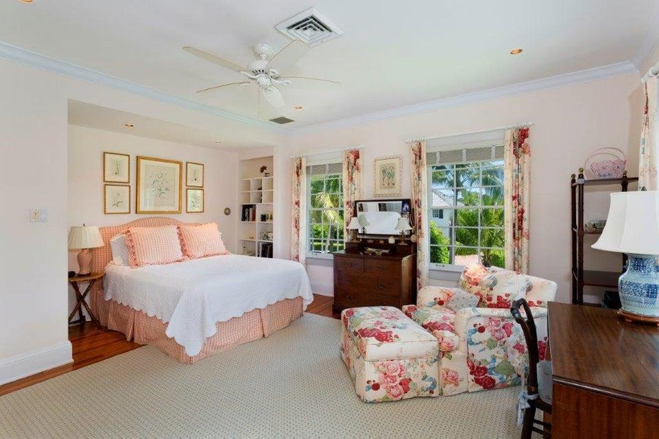 Master bedroom w/pool views