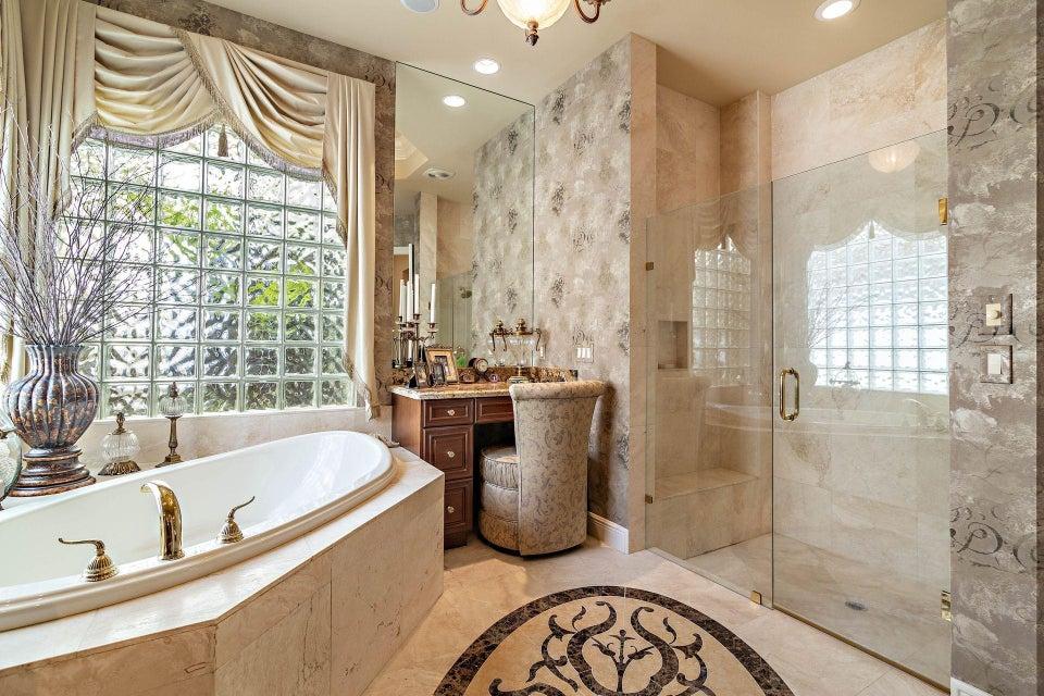 Master Bath-Hers