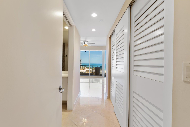 570 Ocean Dr Juno Beach FL-large-032-52-