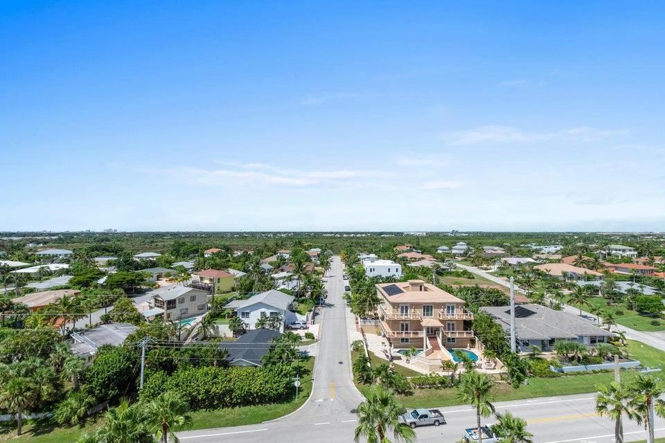 570 Ocean Dr Juno Beach FL-large-041-9-A