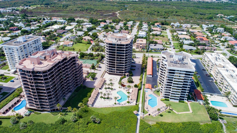 570 Ocean Dr Juno Beach FL-large-049-5-A