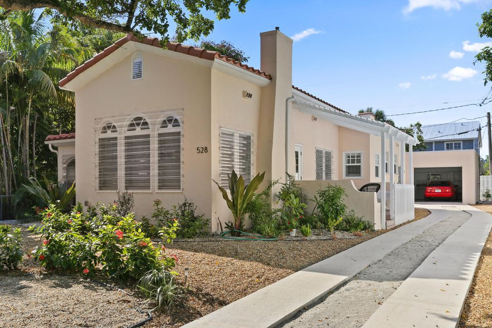 Home For In Historic Old Northwood West Palm Beach Florida