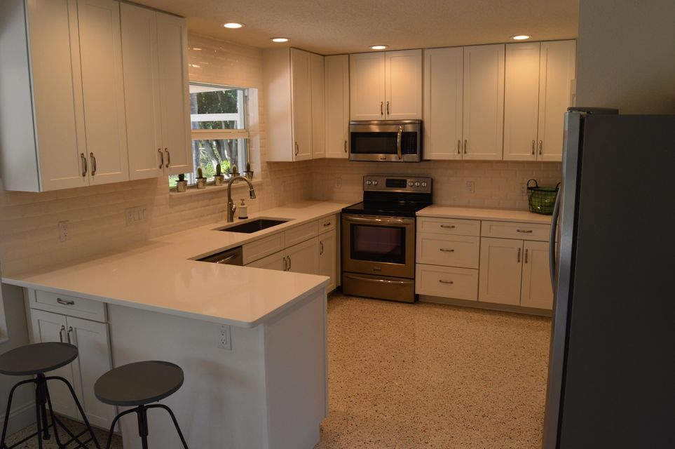 327 country club kitchen 2