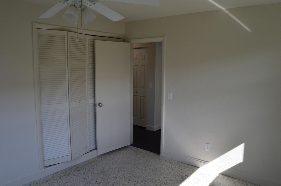 327 country club 2nd bed rm