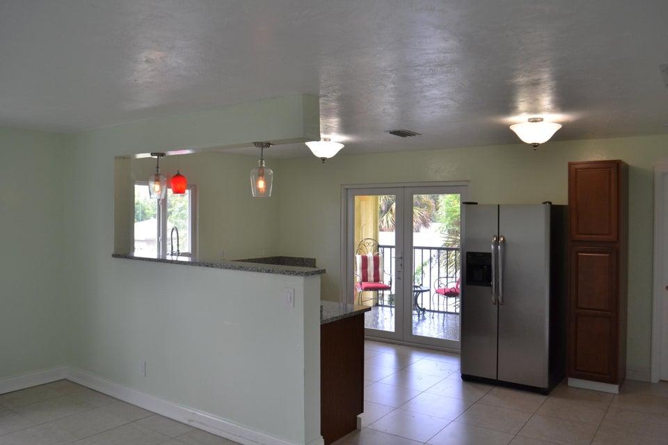 421 49th Street, West Palm Beach, Florida 33407, 2 Bedrooms Bedrooms, ,2 BathroomsBathrooms,Duplex/Triplex/Quadplex,For Rent,49th,2,RX-10468568
