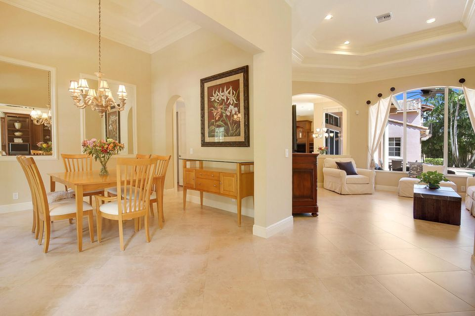 Formal Dining / Main Living