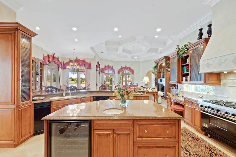 Kitchen Island view