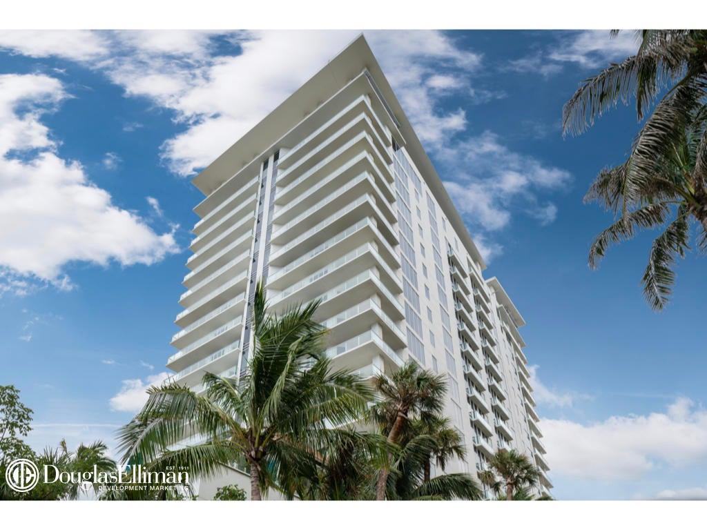 1.003 VistaBlue Building Elevation