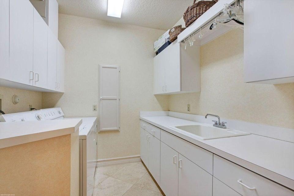 13081 Laundry Room
