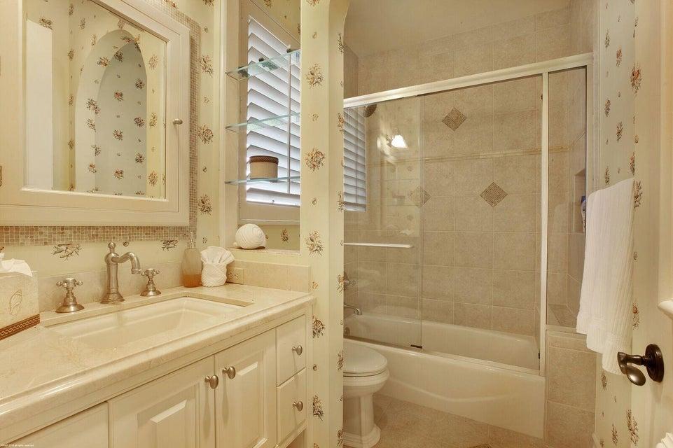 13081 Guest Bath