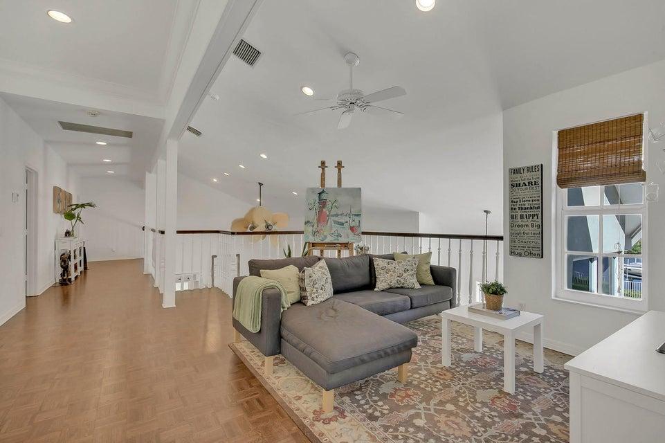 Loft/Upstairs Family Room
