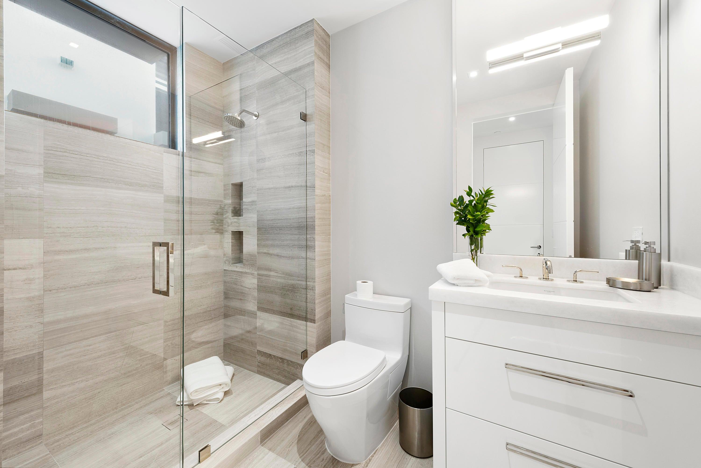 Second Guest Suite Bathroom