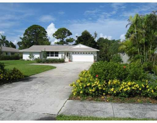 9740 SE GOMEZ Avenue, Hobe Sound, FL 33455