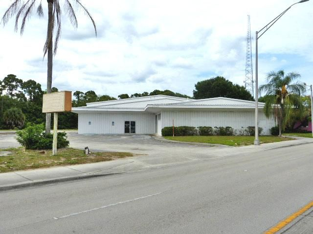 2806 Okeechobee Road, Fort Pierce, FL 34950