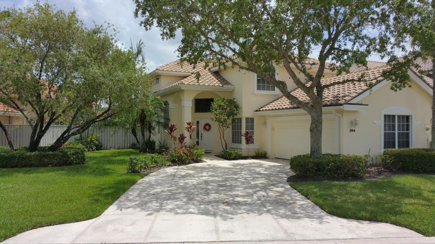 204 Eagleton Lake Boulevard, Palm Beach Gardens, FL 33418