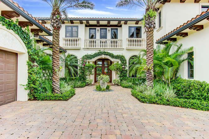 203 Via Palacio, Palm Beach Gardens, FL 33418