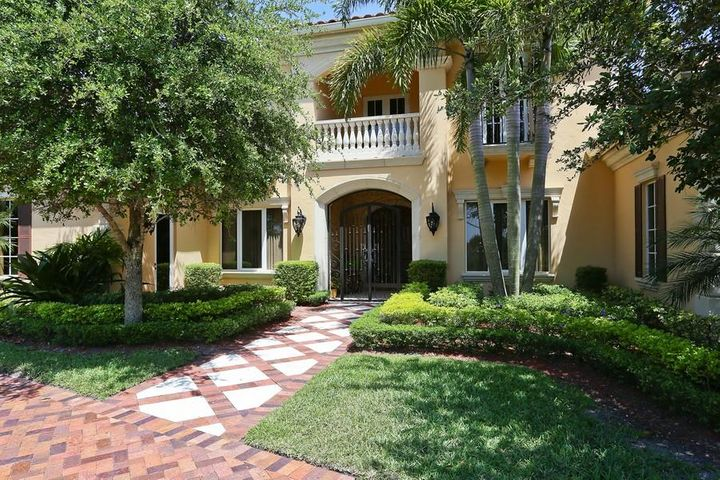 131 Playa Rienta Way, Palm Beach Gardens, FL 33418