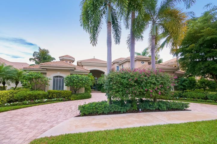 104 St Martin Drive, Palm Beach Gardens, FL 33418