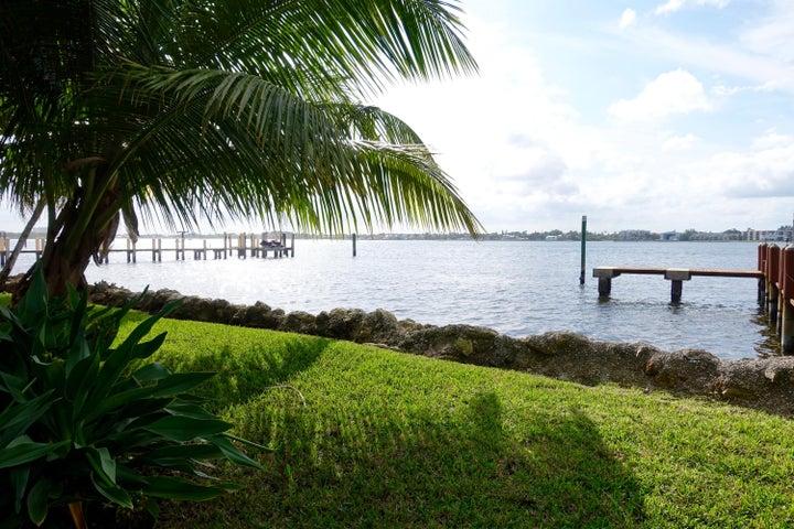 1820 S Ocean Boulevard, Manalapan, FL 33462